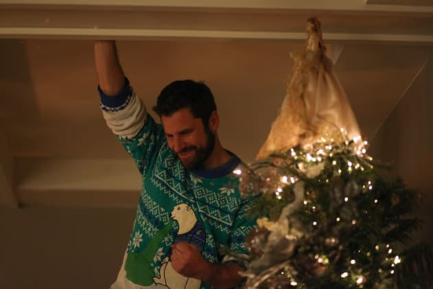 Gary Trims the Tree - A Million Little Things Season 1 Episode 10