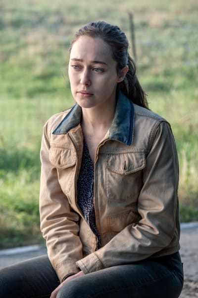 Alicia's Moment of Reflection - Fear the Walking Dead Season 5 Episode 9