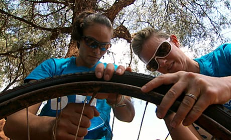 Nary & Jamie Compete In Detour
