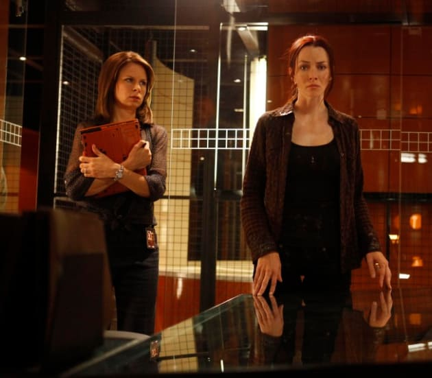 Lucifer Season 1 Episode 4 Promo Spoilers Lucifer S: Chloe And Renee