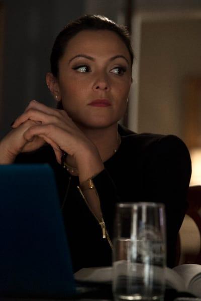 A Concerned Emily - Designated Survivor Season 1 Episode 21
