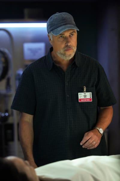 Helping Former Colleague - CSI: Vegas Season 1 Episode 2