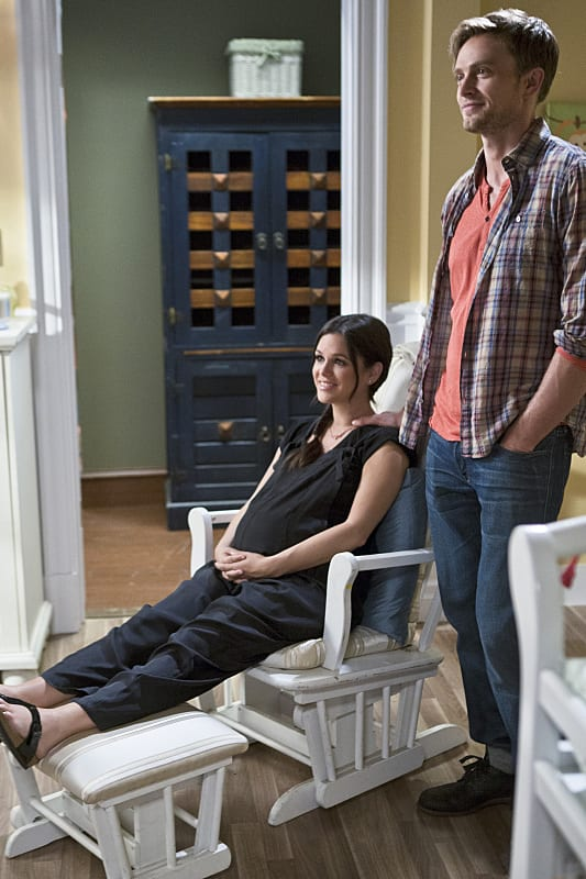 Taking A Load Off - Hart of Dixie Season 4 Episode 9