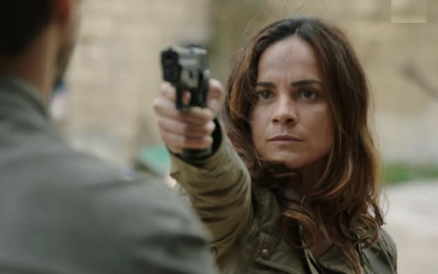 Queen Of The South Season 3 Episode 2 Review El Colgado Tv Fanatic