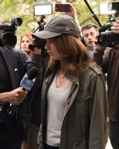 Juggling Reporters - The Fix Season 1 Episode 1
