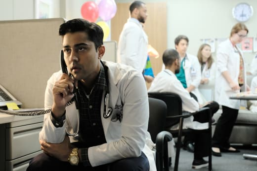 Dr. Devon Pravesh - The Resident Season 1 Episode 2