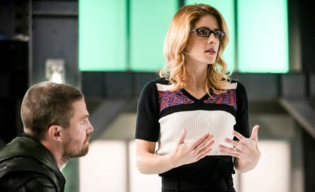 Felicity Is Happy - Arrow