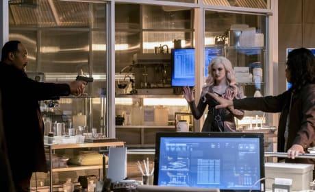 Surrendering? - The Flash Season 3 Episode 21