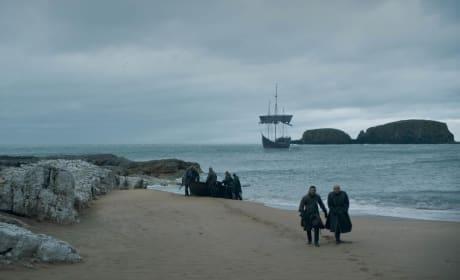 Retreating to Dragonstone - Game of Thrones Season 8 Episode 5