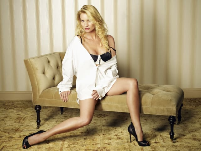 Edie Britt - Desperate Housewives