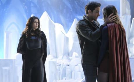 Protective Mon-El - Supergirl Season 2 Episode 17