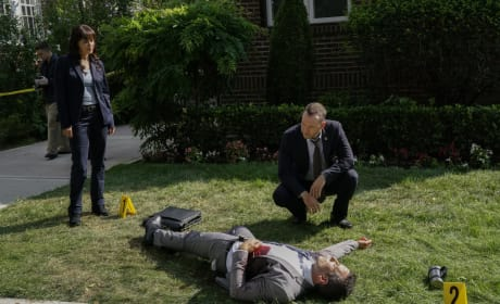 A Detective Is Gunned Down - Blue Bloods