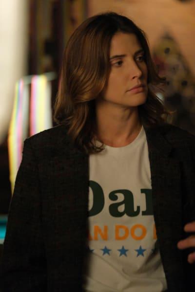 Blending In - Stumptown Season 1 Episode 7