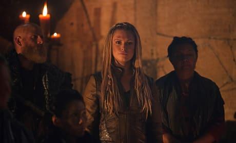 Clarke at Polis - The 100 Season 3 Episode 6