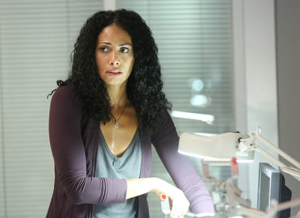 Watch Containment Season 1 Episode 7 Online
