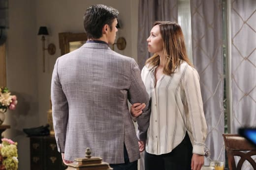 Xander Defends Gwen - Days of Our Lives