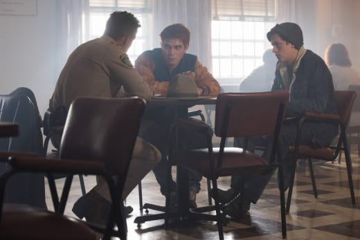 Recounting The Events - Riverdale Season 2 Episode 1