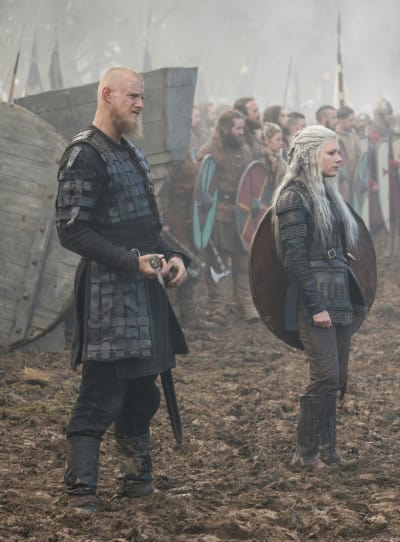 Bjorn Fights - Vikings Season 5 Episode 15