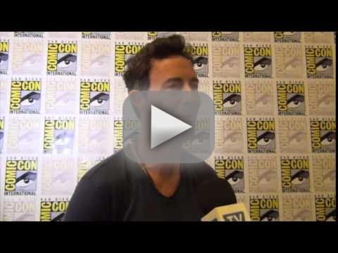 Tom Cavanagh Teases The Flash Season 2: Kisses! Car Chases!