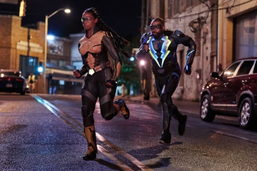 To The Rescue - Black Lightning Season 2 Episode 4