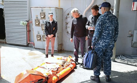 A Dead Man Overboard - NCIS