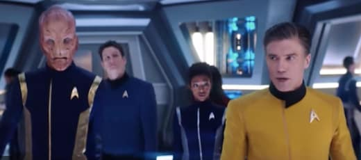 Pike Meets The Discovery - Star Trek: Discovery