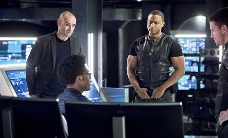 Questioning Curtis - Arrow Season 4 Episode 17