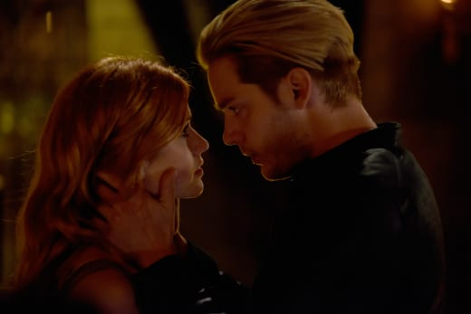 """Clace"" Romance - Shadowhunters"