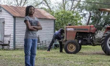 Nova Contemplates Her Book - Queen Sugar Season 3 Episode 4