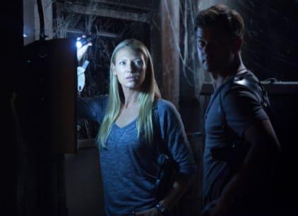 Watch Fringe Season 5 Episode 2 Online