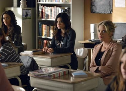 Watch Pretty Little Liars Season 3 Episode 24 Online