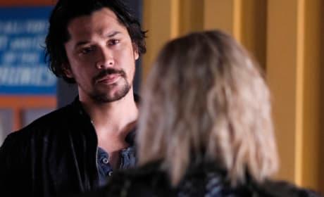 Bellamy and Clarke Finally Talk - The 100 Season 6 Episode 2