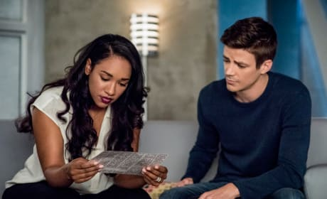 West Allen Investigating - The Flash Season 5 Episode 5