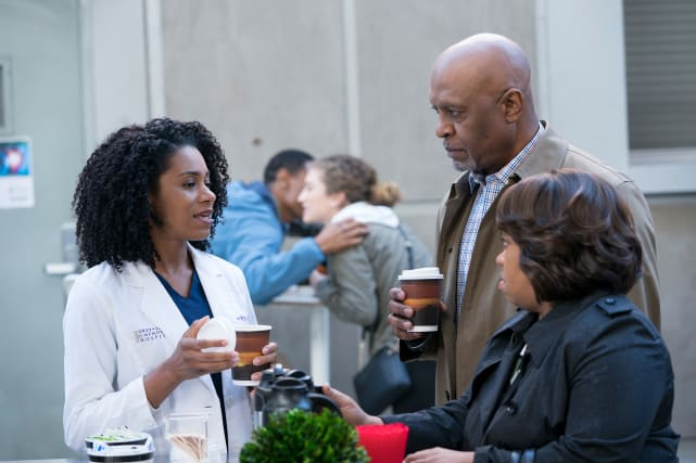 Coffee Cart Conversations - Grey's Anatomy Season 14 Episode 15