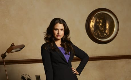 Katie Lowes Playing Quinn Parker
