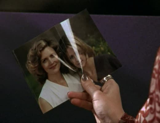 Folded Picture - Buffy the Vampire Slayer Season 2 Episode 11