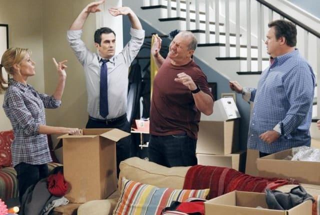 modern family season 3 episode 8 online