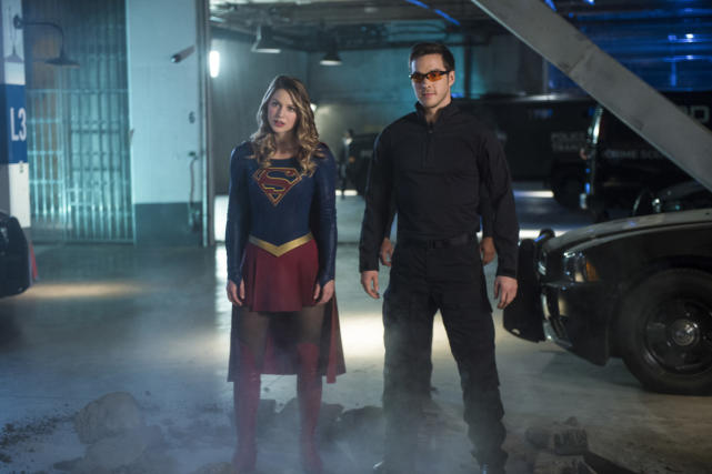 Kara and mon el take on livewire supergirl season 2 episode 10