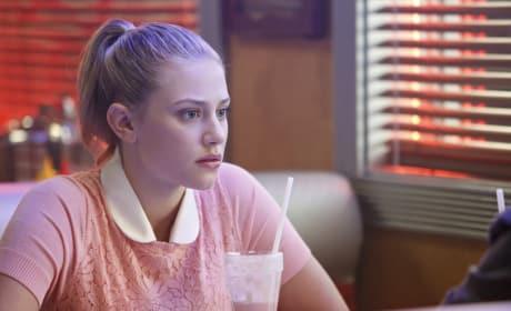 Milkshake Gossip - Riverdale Season 1 Episode 5