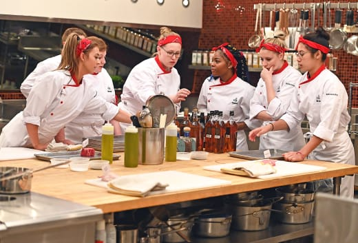 Red Team Comes Together  - Hell's Kitchen Season 20 Episode 2