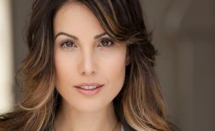 Arrow Season 5: Carly Pope Joins as Coast City Reporter