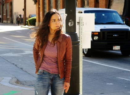 Watch Queen of the South Season 1 Episode 8 Online