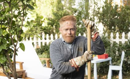 Watch Modern Family Online: Season 10 Episode 9
