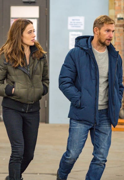 Reunited at Last - Chicago PD Season 7 Episode 15