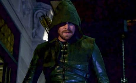 Why The Old Suit - Arrow Season 6 Episode 18