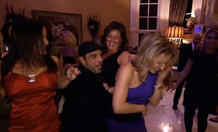 The Real Housewives of N.J.: Holiday Jeer