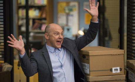 Rob Corddry as Alan Connor