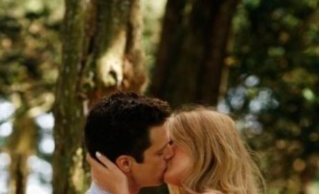 Serena and Carter Kiss!