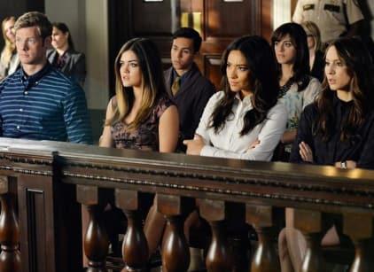 Watch Pretty Little Liars Season 5 Episode 23 Online