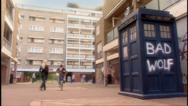 """Aliens of London""/""World War Three"""